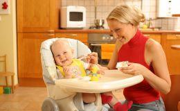Первый прикорм: почему ребенок не хочет есть