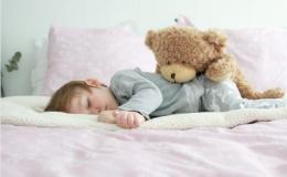 Какие части тела укажут, холодно или жарко ребенку: советы врача