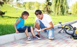 Как вытащить занозу у ребенка и не навредить