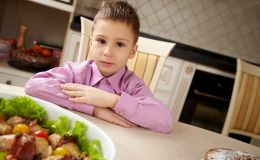 Ребенок Овен: как подобрать питание по гороскопу