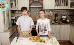 Полезные и вкусные блинные булочки: простой видеорецепт от Cool School