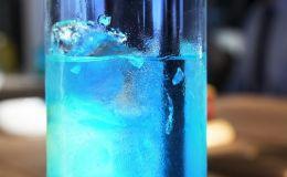 Ученые рассказали, почему нельзя набирать воду в пластиковые бутылки