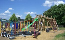 Детская площадка на даче: 7 простых идей