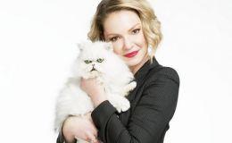 Беременная звезда сериала Анатомия страсти Кэтрин Хейгл показала животик