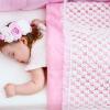 Два простых способа приучить ребенка спать в своей кроватке