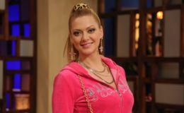 Татьяна Литвинова появилась на «МастерШеф Дети» в розовом плюшевом костюме
