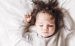 Первые волосы ребенка: стричь или отращивать?