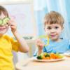12 продуктов, которые нельзя детям до трех лет