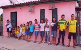 В надежде на девочку: бразильская пара воспитывает 13 сыновей и мечтает о дочке