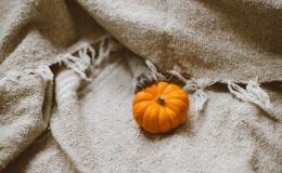 Хэллоуин 2018: Как сделать светящиеся украшения из тыкв своими руками
