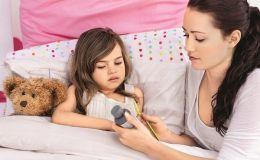 Это не поможет: Минздрав напоминает, чем не стоит лечить детей от гриппа и простуды