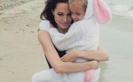 Дочки-мальчики: младшая дочь Анджелины Джоли перешла на мужскую одежду