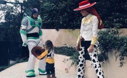 Как звездные родители отпраздновали Хэллоуин: лучшие костюмы