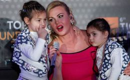 Привет из Дубая. Камалия показала, как отдыхает с дочками-близнецами