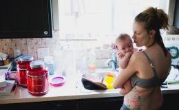 Как выглядит послеродовая депрессия: честные фото молодой мамочки покорили сеть