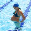 Как плавать во время беременности: главные правила