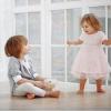 Почему не стоит делать из старших детей нянек для младших: рассказывает психолог