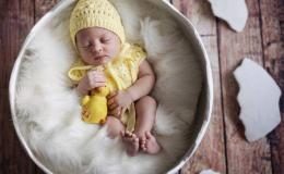Месяц, согреваемый солнцем: выбираем имя для малыша, рожденного в апреле