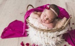 Колыбель, кроватка или кокон: как выбрать спальное место для новорожденного