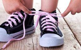Учимся завязывать шнурки без слез и ошибок