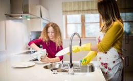 Развенчиваем мифы: что отнимает больше времени — материнство или работа
