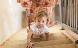 Почему ребенку полезно ползать и как ему помочь