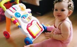 Толокары, ходунки, каталки: игрушки-помощники для первых шагов