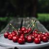 Яркая и неожиданная: топ-5 блюд из вишни для летнего сезона