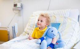 Ребенок попал в больницу: какие права есть у родителей в Украине