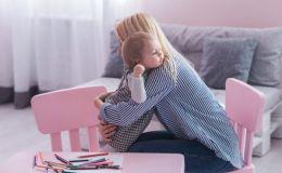 Ребенок идет в детский сад: 9 запрещенных фраз для мамы
