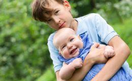 Когда в семье появился младший ребенок: как вести себя родителям