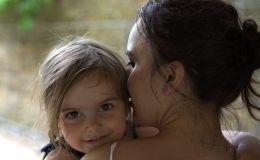 Обморок у ребенка: Комаровский рассказал, как оказать первую помощь