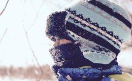Комаровский объяснил, нужно ли закрывать рот ребенку шарфиком в мороз
