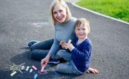 10 игр с цветными мелками для малышей и детей постарше