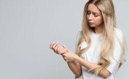 Немеют руки: 12 главных причин