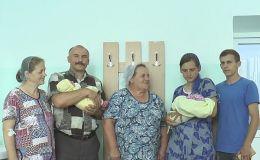 Двойное пополнение: свекровь и невестка одновременно родили детей