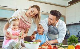 Завтрак, обед, полдник, ужин: как точно рассчитать меню на день для ребенка