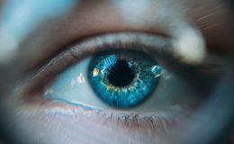 Проблемы с глазами и зрением: 5 опасных симптомов
