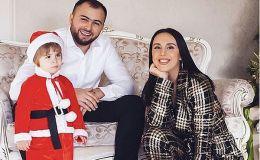 Джамала поздравила с Рождеством милыми фото с сыном и мужем