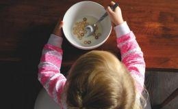 Дитячий посуд: 10 найкращих пропозицій для малюка