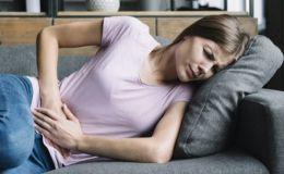 Срочно к врачу: 7 тревожных симптомов язвы желудка