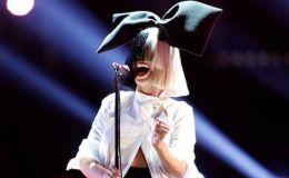 Певица Sia усыновила сразу двух детей
