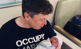 Илон Маск нежно укачивает новорожденного сына: видео