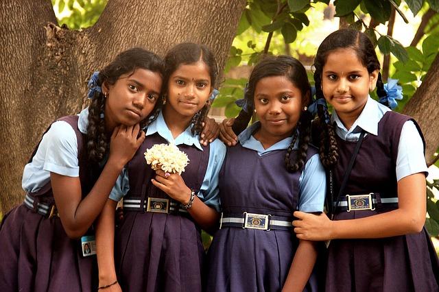 девочки школьницы Индия