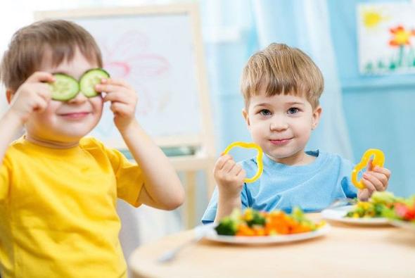 питание ребенка в 3 года - фото